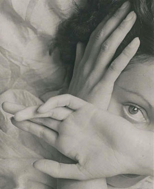 Erwin Blumenfeld- Eyes of Youth, Paris, 1937 - © copyright of the respective owners, assignees or others