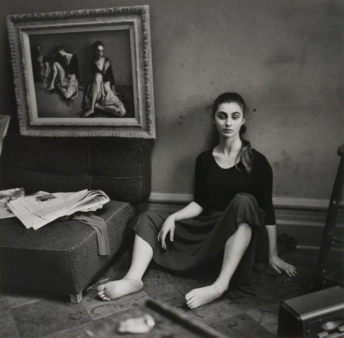 Larry Fink - Moses Soyer Studio, New York, 1960 - © Larry Fink