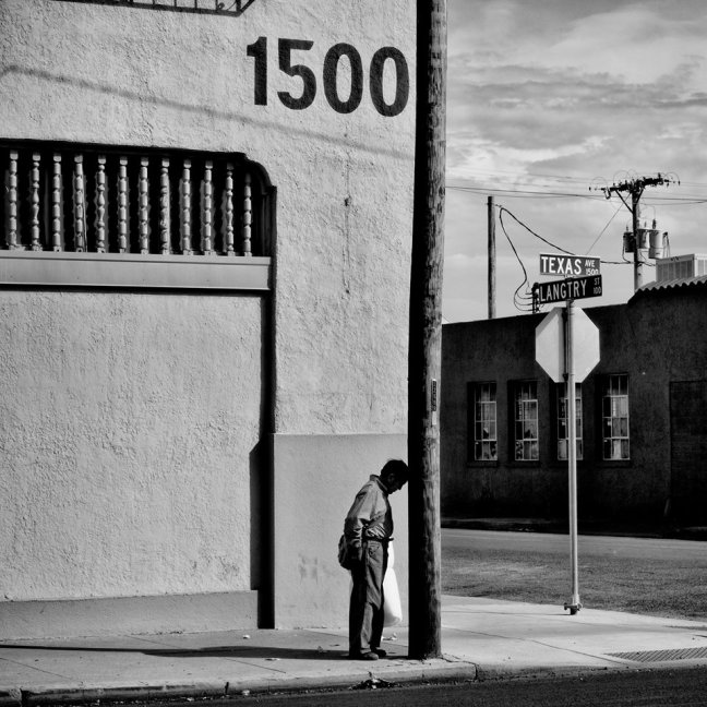 Matt Black, USA. El Paso, Texas. 2015. El Paso has a population of 649,121 and 21.5% live below the poverty level. - © Matt Black