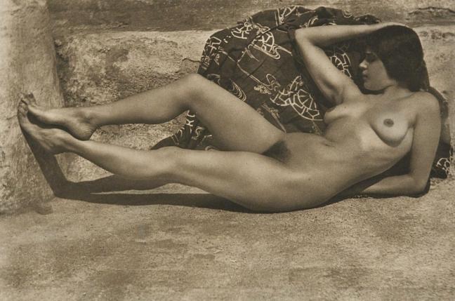 Untitled (Tina on the Azotea, with Kimono), 1924