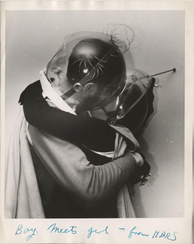 WEEGEE_1955_Boy_meets_girl_from_Mars